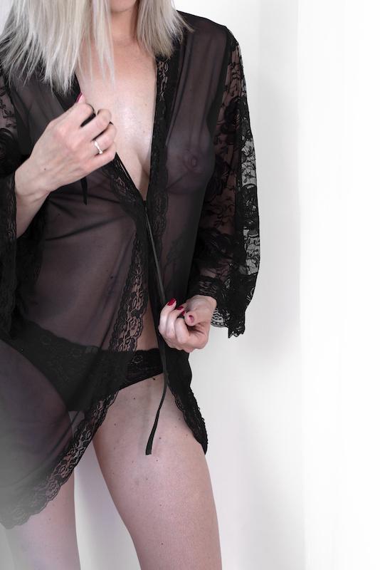 boudoir footgrafiranje spalna srajcka